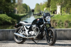750 Breva Moto Guzzi préparée par JMB Concept Moto / © Pascal Baudry