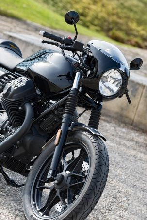 V7 III Moto Guzzi Préparation JMB Concept Moto / © Pascal Baudry